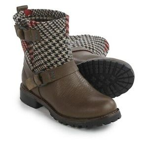 Woolrich Baltimore Harness Boots Red Plaid Wool